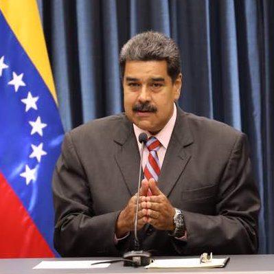 Presidente Maduro propuso a medios impresos a asociarse con el Estado para impulsar planta de papel