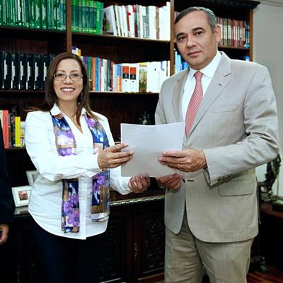 Tania Díaz entregó exhorto de la ANC al TSJ