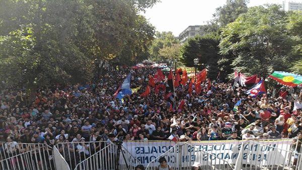 Chile realizó un multitudinario recital por la paz de Venezuela