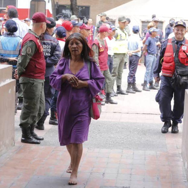 Pueblo en la Basílica  de Santa Teresa contó con el resguardo de 400 funcionarios