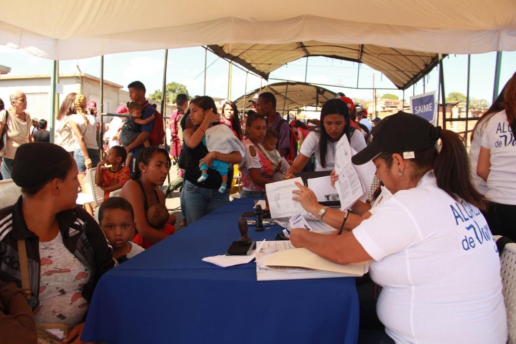 Alcaldía de Vargas desplegó jornada social en La Esperanza