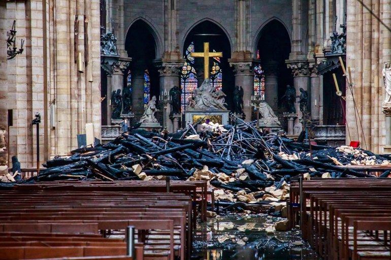 Emmanuel Macron, estimó cinco años para reconstruir la catedral de París