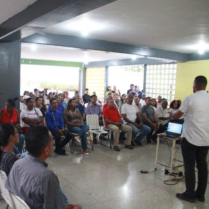 Consejos Patrióticos de Vargas trabajan en el fortalecimiento de las comunas