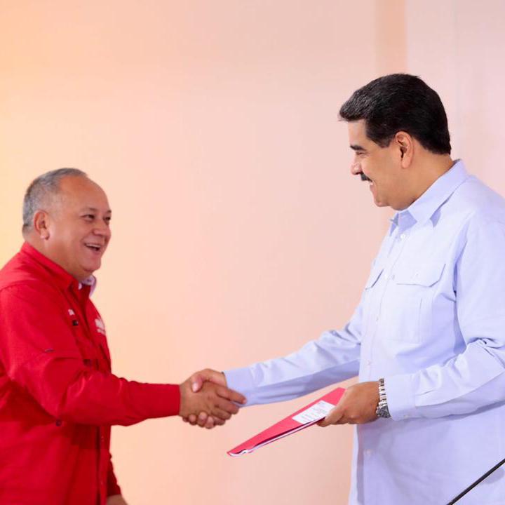 Maduro recibió de Diosdado Cabello propuestas del  soberano para perfeccionar planes de gobierno