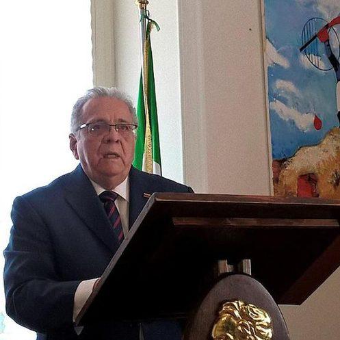 Isaías Rodríguez denunció en Italia agresión de los EEUU contra Venezuela