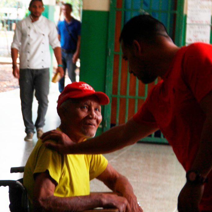 Alcalde Terán visitó Hospital Dr. Martín Vegas en Zamora
