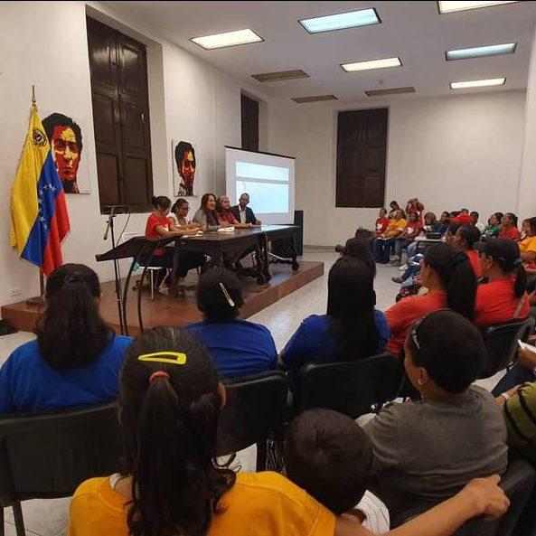 Gran Misión Hogares de la Patria, se realizó conversatorio «la guerra en Venezuela y el papel de los Hogares Patriotas»