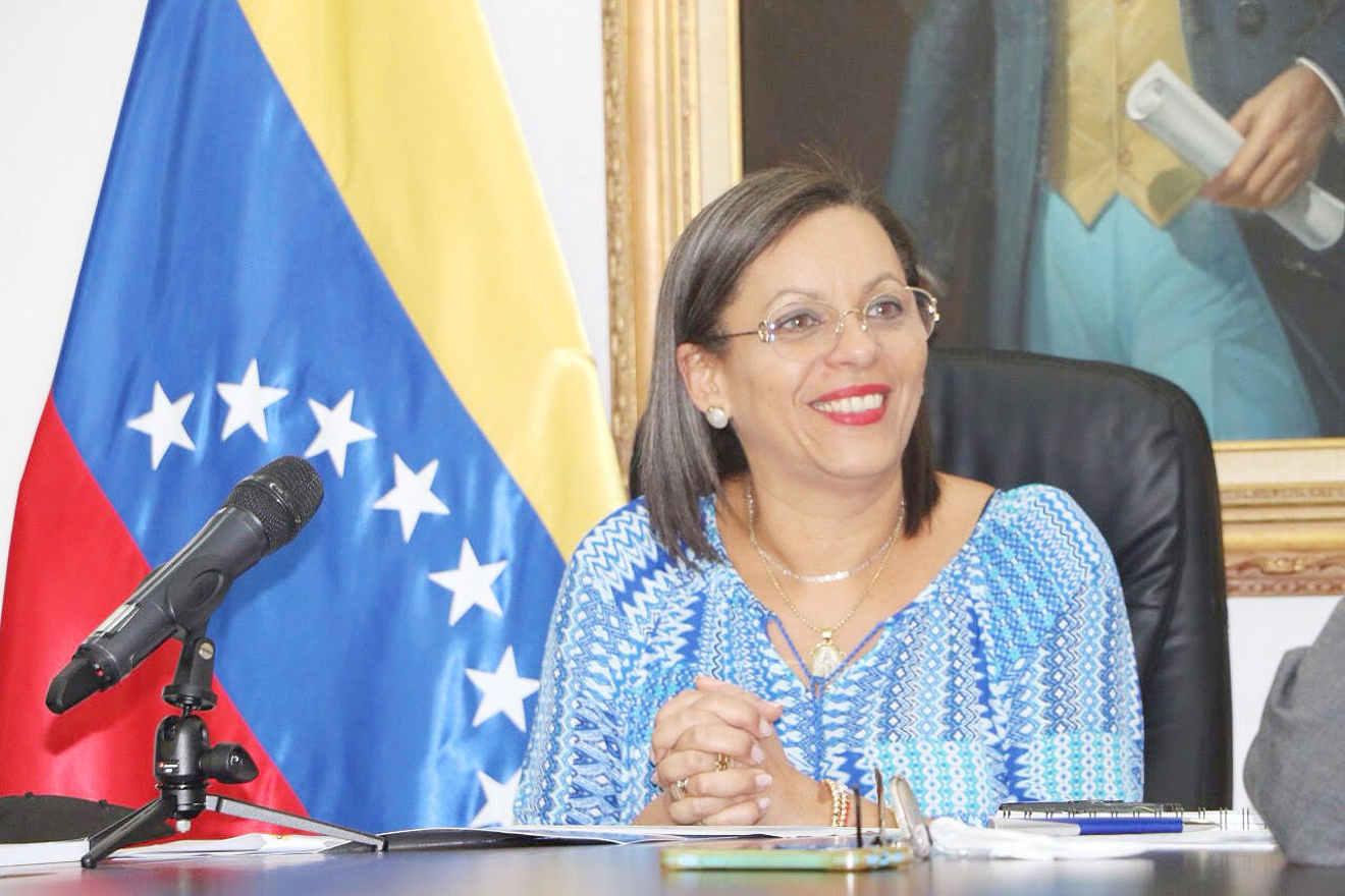 Indira Alfonzo: En elecciones del 6-D la participación fue voluntaria