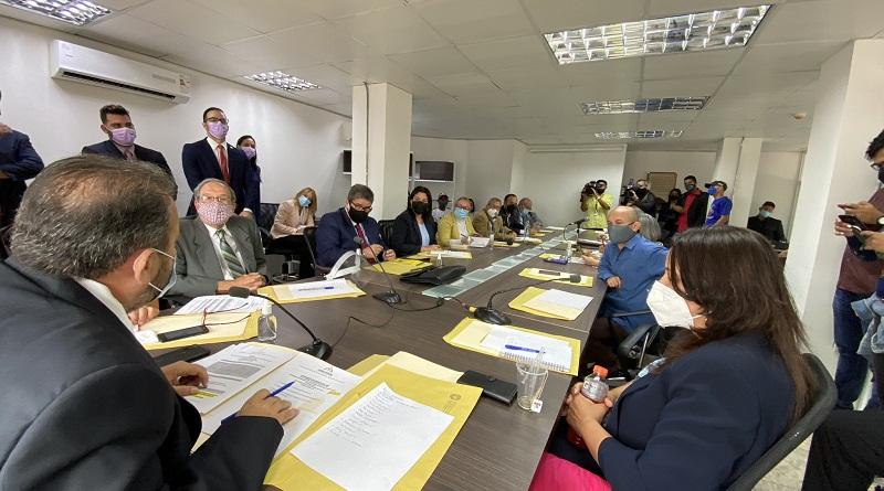 Comisión de Política Exterior amplía consenso para defender la soberanía y derrotar el ilegal bloqueo