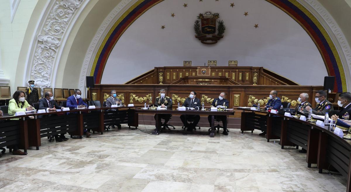 Comisión para Defensa del Esequibo y Alto Mando Militar evalúan propuestas en temas geoestratégicos