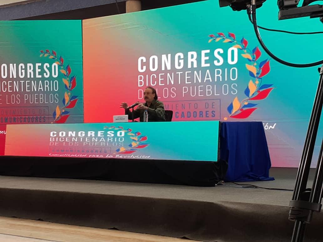 Ignacio Ramonet advierte sobre redes sociales como «el nuevo medio dominante»