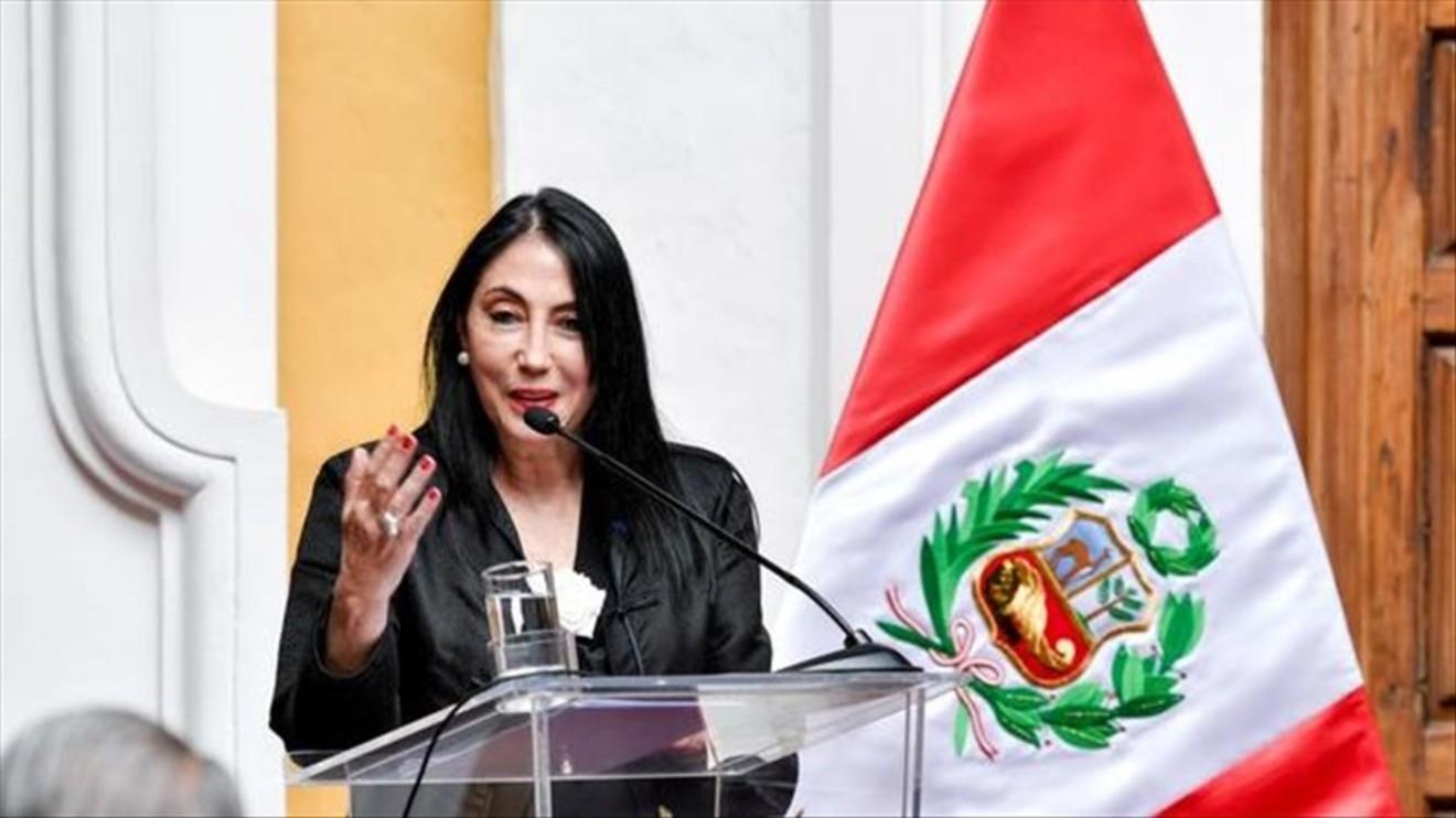 Escándalo en Perú por vacunación en secreto de altos funcionarios