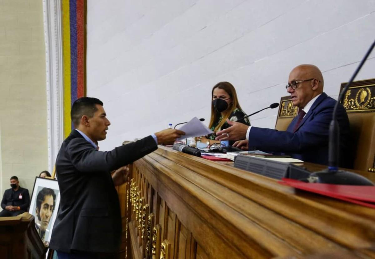 Diputados acuerdan trasladar los restos de Juan Germán Roscio al Panteón Nacional