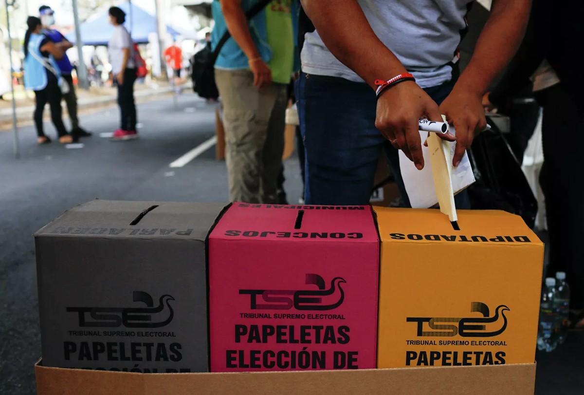 Autoridades alistan inicio de escrutinio electoral en El Salvador