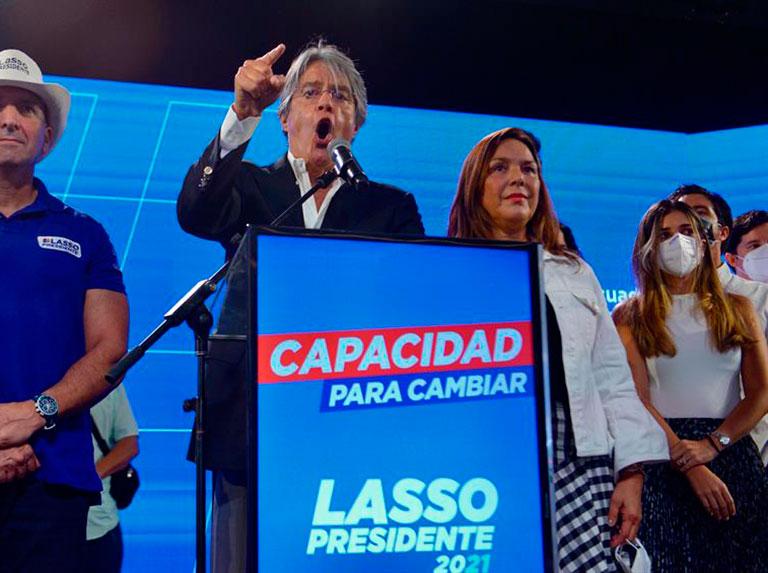 Guillermo Lasso se convierte en presidente de Ecuador