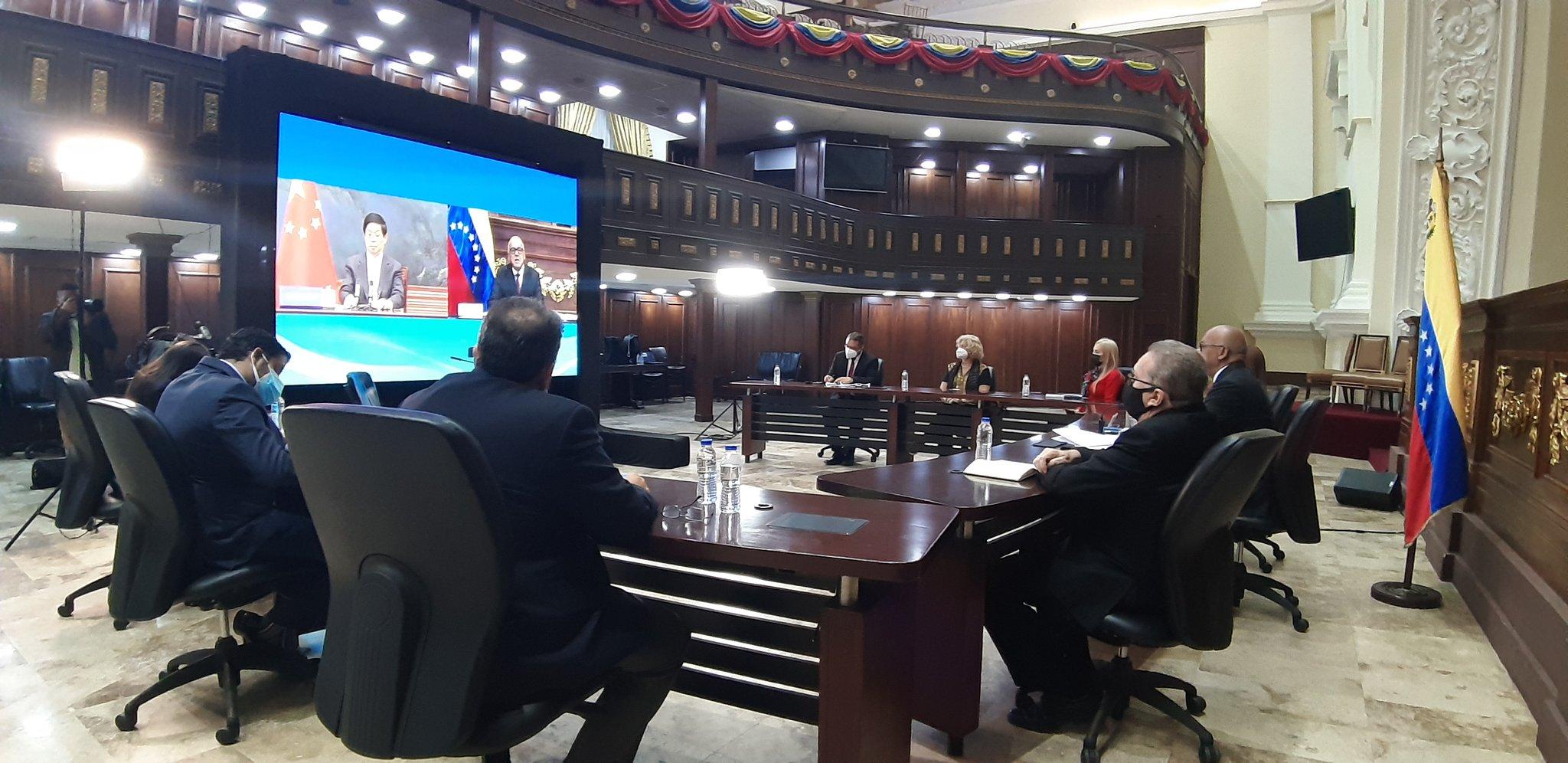 Presidentes de los Parlamentos de Venezuela y China se reúnen para afianzar relaciones