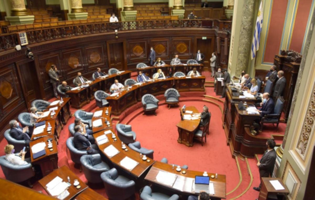 Crean en Uruguay comisión parlamentaria para la pandemia Covid-19