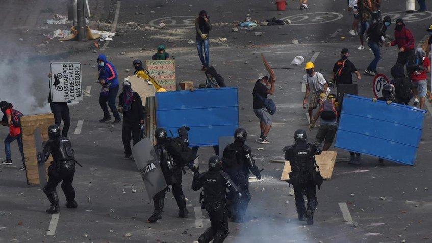 ONU denuncia uso excesivo de la fuerza en Colombia y pide calma de cara al 5 de mayo
