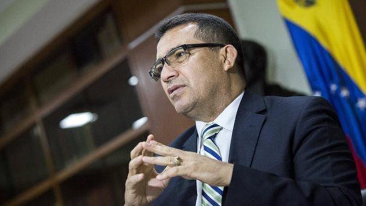Maduro destaca labor del diputado Henry Ventura militante por el Bloque de la Patria