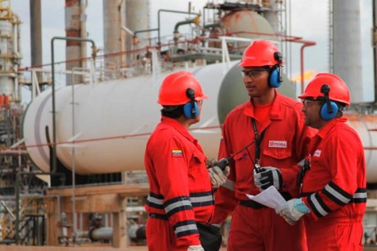 Trabajadores petroleros presentaron propuestas ante la Comisión de Energía y Petróleo