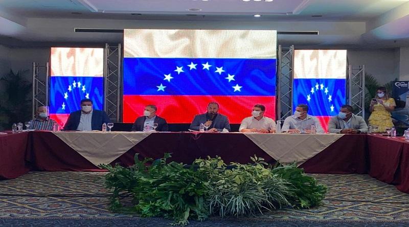 Empresarios y trabajadores de Carabobo incorporan propuestas a la Lozee