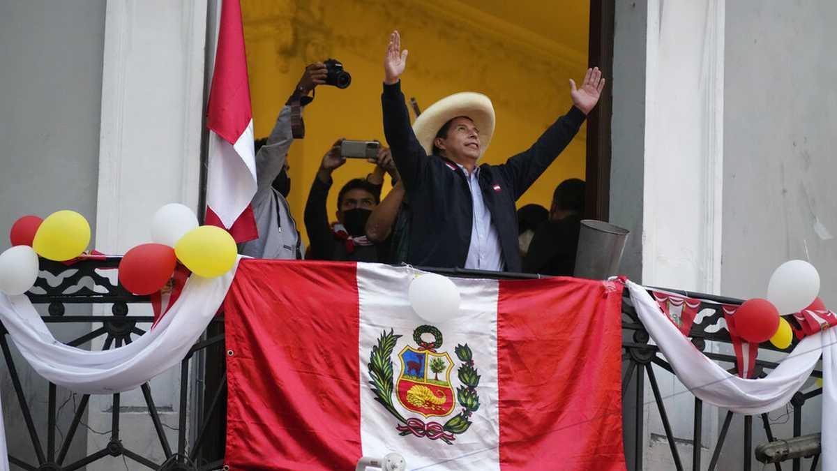 Con 100% de las actas contabilizadas, Pedro Castillo gana elecciones presidenciales en Perú