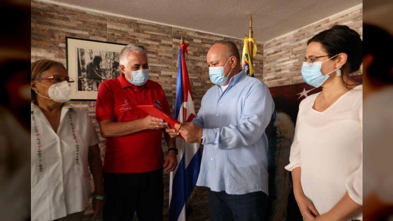 Diputado Cabello entregó acuerdo de solidaridad de la AN con el pueblo cubano a su embajador