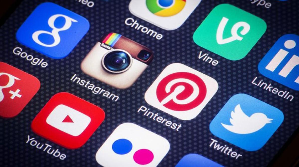 Putin pide a redes sociales mundiales respetar las leyes de Rusia