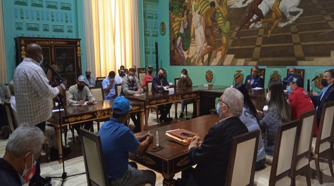 Comisión de Diálogo realiza encuentro con los Consejos Productivos de Trabajadores y Trabajadoras del país
