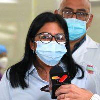 Vicepresidenta informó que se triplicará la meta de vacunación en el país