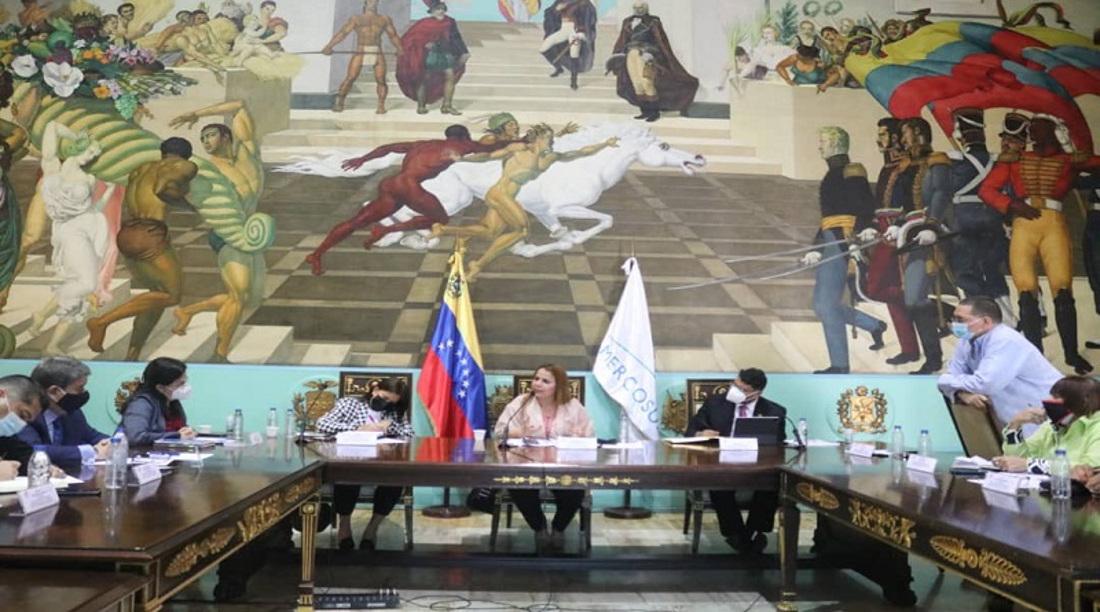 Venezuela avanza en la cooperación política con el Parlasur